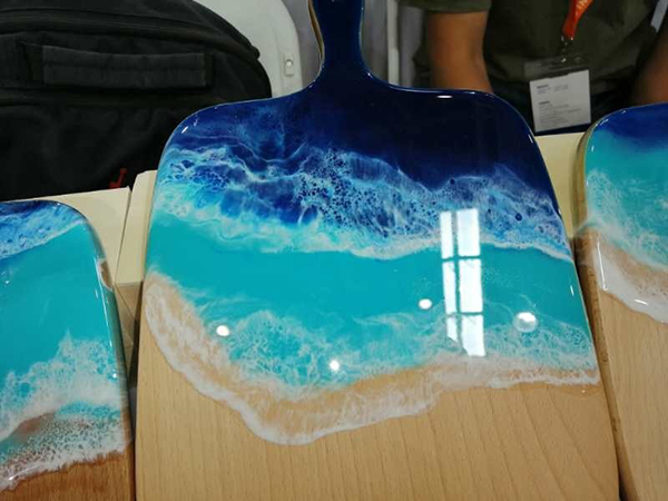 家具厂河流桌树脂胶水应用案例
