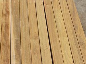 木板裂缝修补